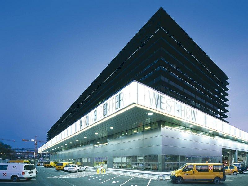 Andreas Treusch: Air Cargo Center und Handling Center West - best architects 07