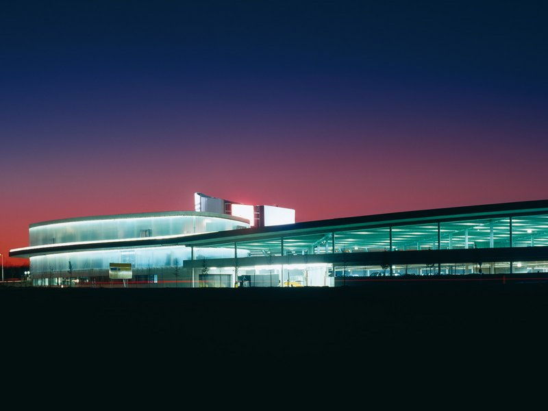 wulf & partner: adidas Factory Outlet - best architects 07