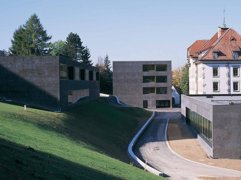 Daniele Marques: Schulhaus Villa Thérèse - best architects 07