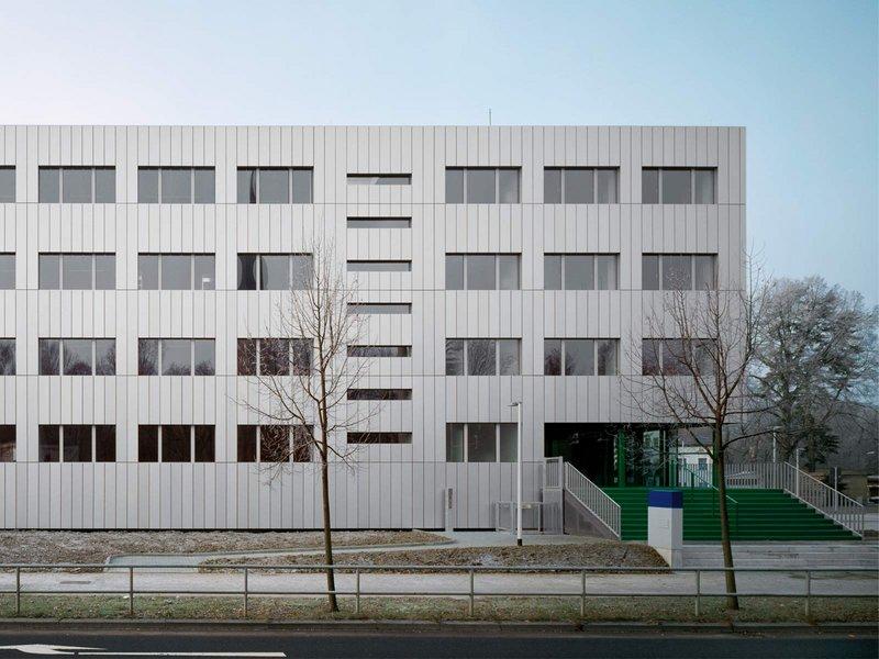 schulz und schulz: Neugestaltung Polizeirevier - best architects 09