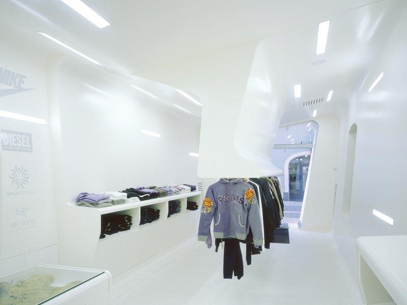 SQUID / Gundolf Leitner / Peter Raneburger: Fashionstore Solo - best architects 09