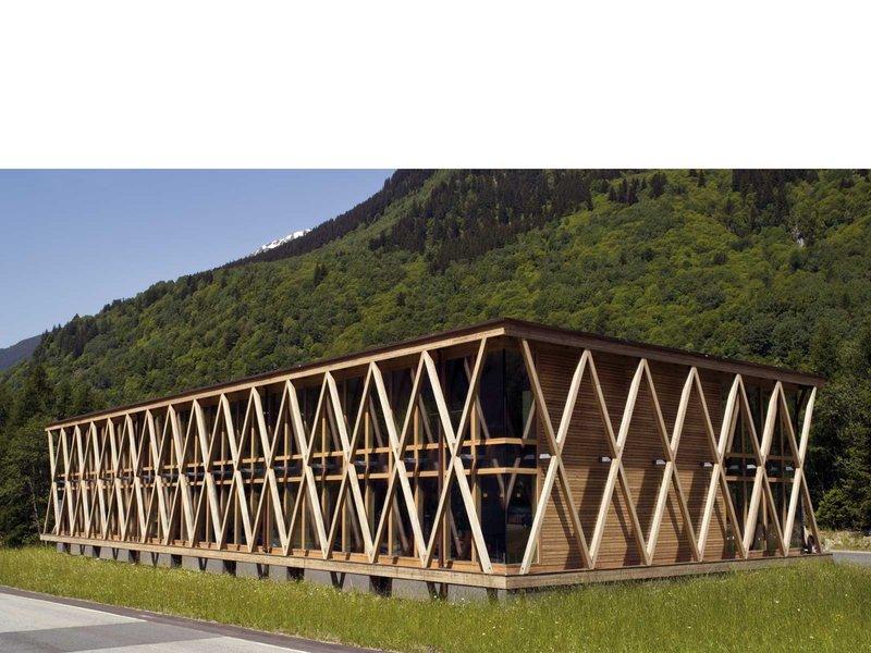 Renato Maurizio und Reto Maurizio: Gewerbezentrum Punto Bregaglia - best architects 10