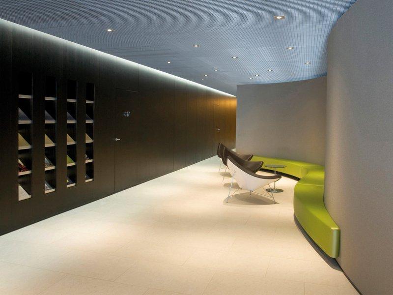 Ramseier & Associates: VP Bank Bahnhofstrasse Zürich - best architects 10
