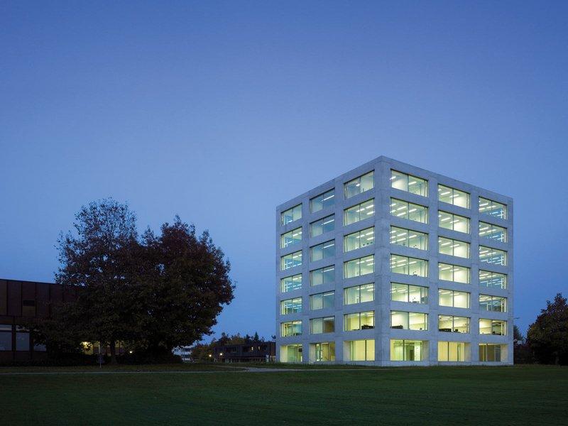 Rolf Mühlethaler Architekt: Neubau KBS Kaufmännische Berufsschule Langenthal  - best architects 10