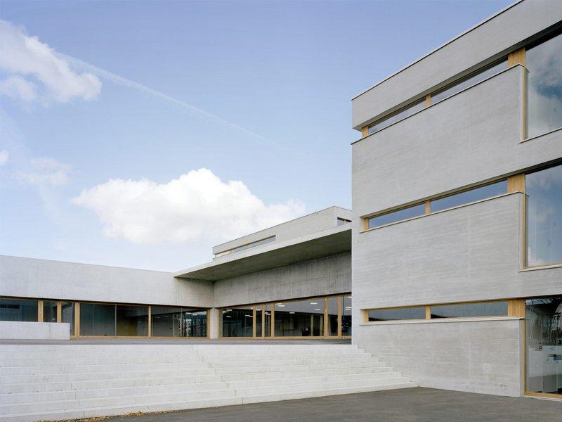 Weber Hofer Partner AG Architekten: Sanierung und Erweiterung Mattschulhaus, Wil - best architects 12