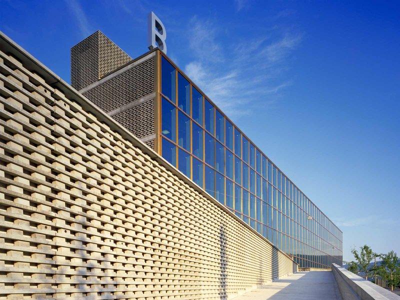 Burkard Meyer Architekten BSA: Berufsbildungszentrum Baden, Schulhaus Bruggerstrasse - best architects 12