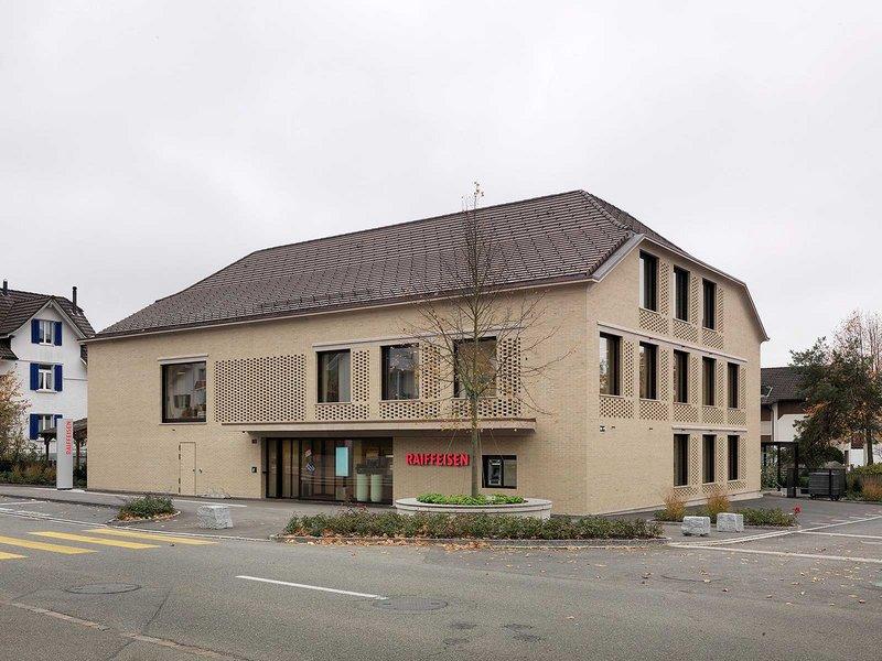 Edelmann Krell Dipl. Architekten ETH SIA: Neubau Raiffeisenbank Zufikon - best architects 13