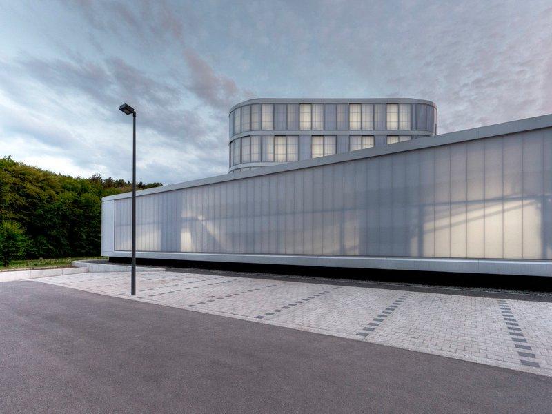 woernerundpartner: Innovativcluster Automotive Quality Saar; Fraunhofer-Institut für zerstörungsfreie Prüfverfahren IZFP Saarbrücken - best architects 13