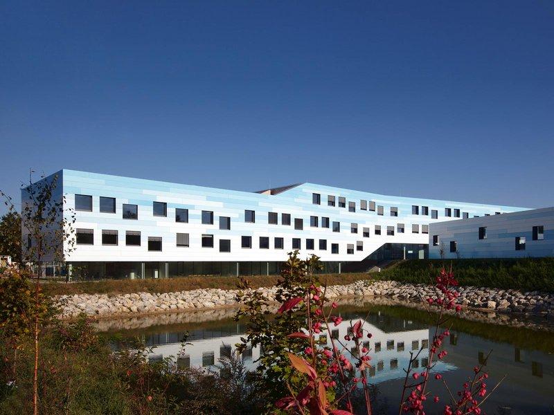 franz zt gmbh: borg + nms deutsch-wagram - best architects 13