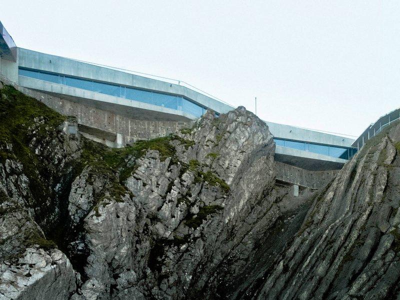 Graber & Steiger Architekten: Pilatus Kulm Panorama Gallery  - best architects 13 in Gold