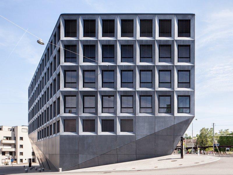 Christ & Gantenbein: Geschäftshaus am Bahnhofsplatz - best architects 14