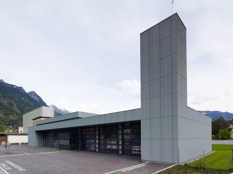 architektur.terminal hackl und klammer : Feuerwehrhaus Getzner - best architects 14
