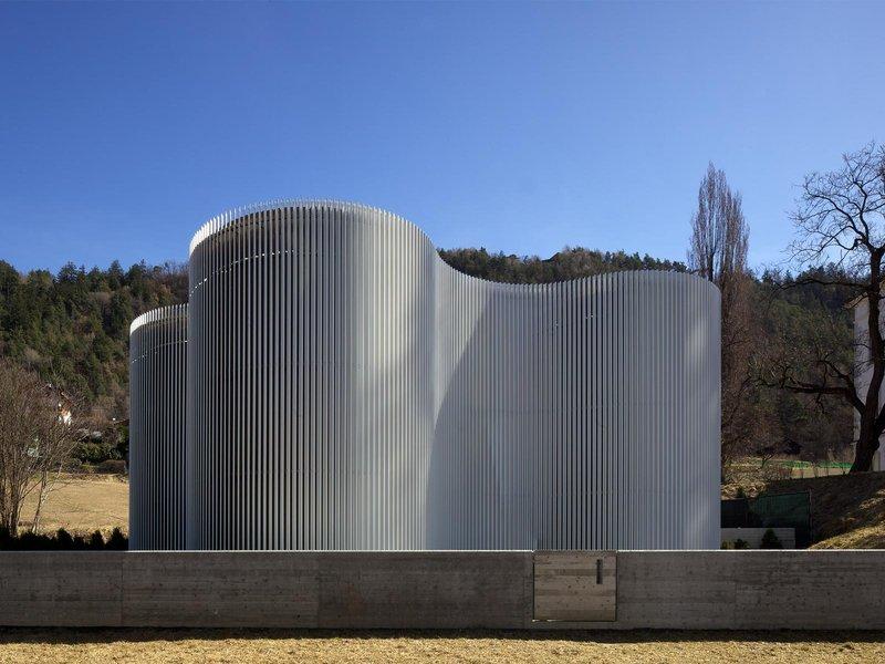 MODUS architects ATTIA-SCAGNOL: Warmwasserreservoir für das städtische Fernwärmenetzwerk - best architects 14 in Gold