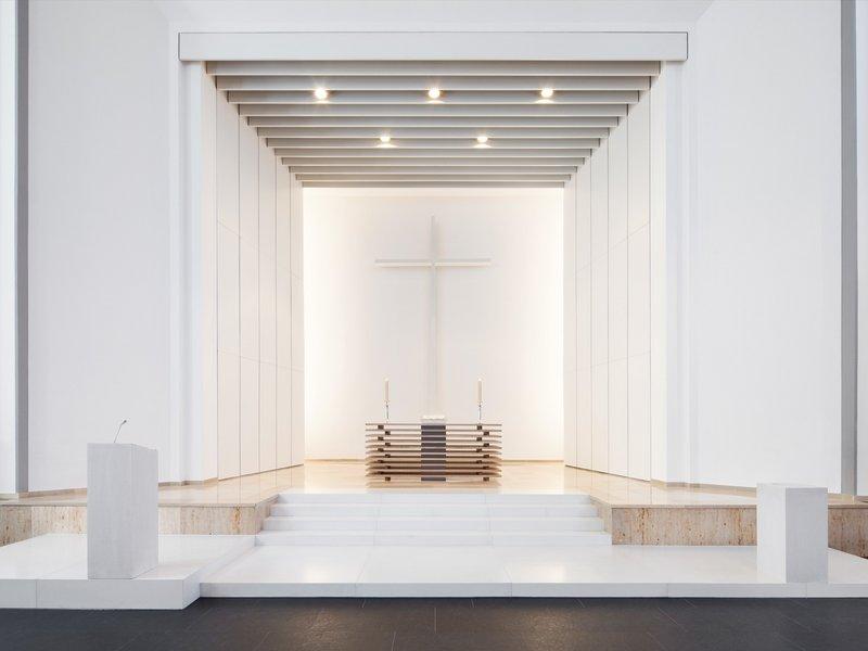 Lepel & Lepel: Neugestaltung Altarraum Lutherkirche Düsseldorf - best architects 14
