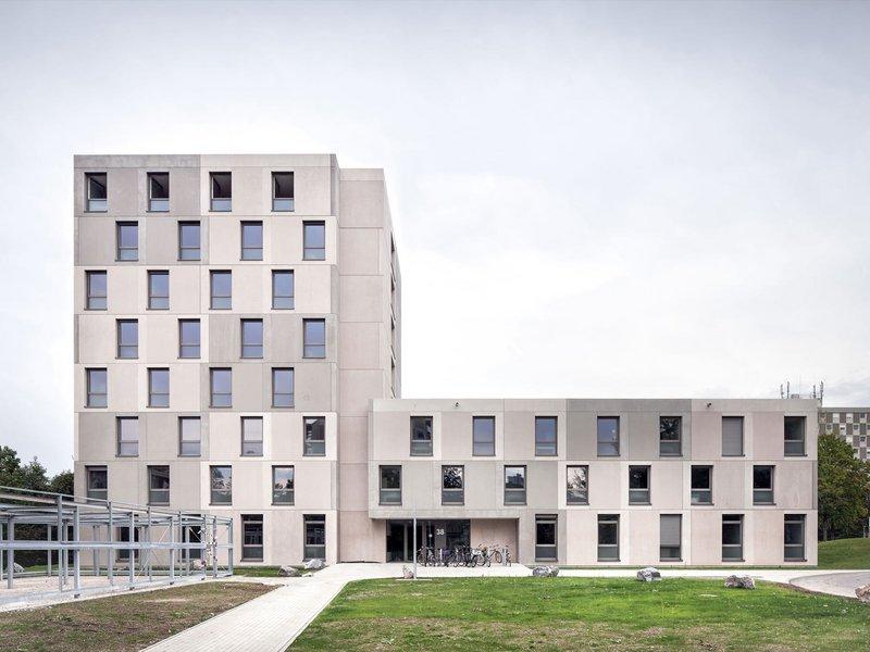 amannburdenskimunkel: StuSie 16+38 / zwei Studentenwohnheime in der Studentensiedlung am Seepark Freiburg - best architects 14