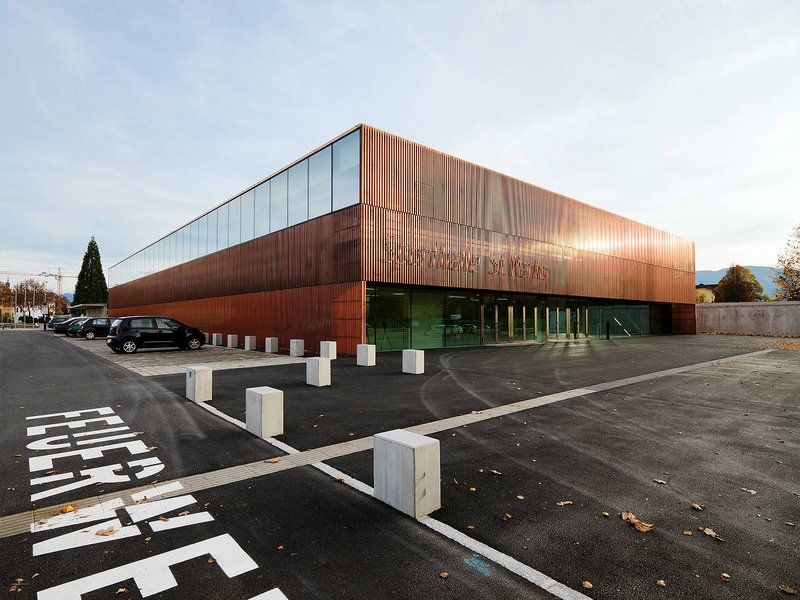 Dietger Wissounig Architekten: Sporthalle St. Martin - best architects 15