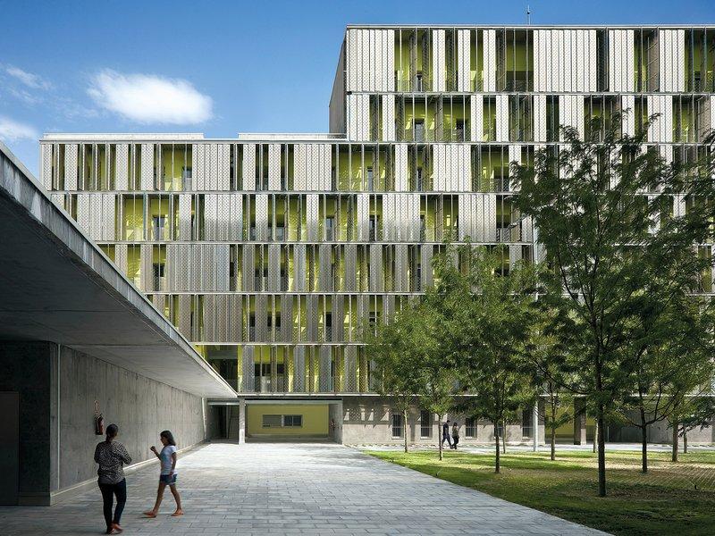 Guillermo Vazquez Consuegra. Arquitecto: Social Housing in Vallecas - best architects 16