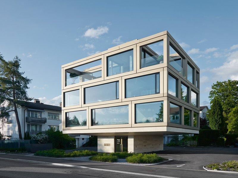 giuliani.hönger architekten: Wüst und Wüst Office Building - best architects 16 in Gold