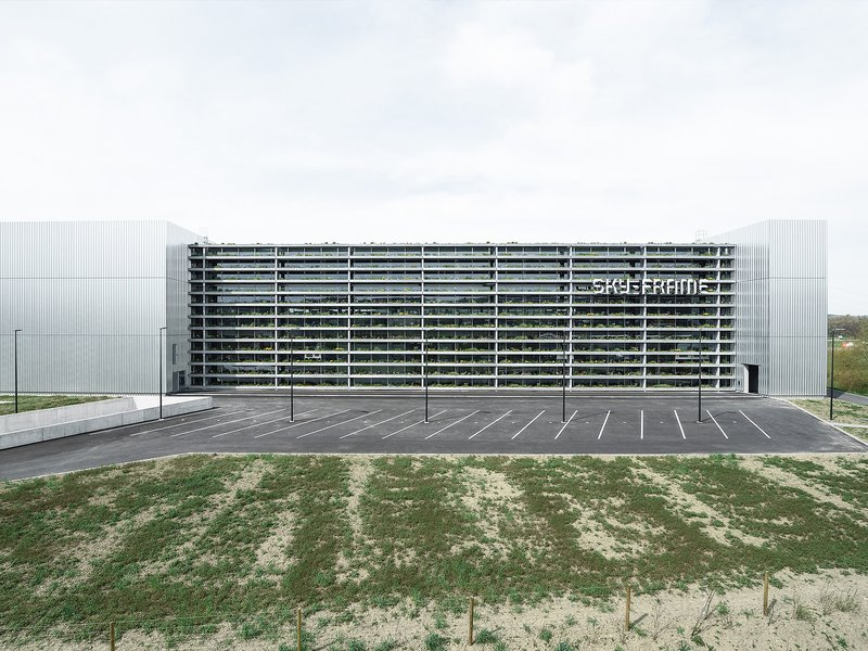 Peter Kunz Architektur mit Atelier Strut: Headquarter Sky-Frame - best architects 16