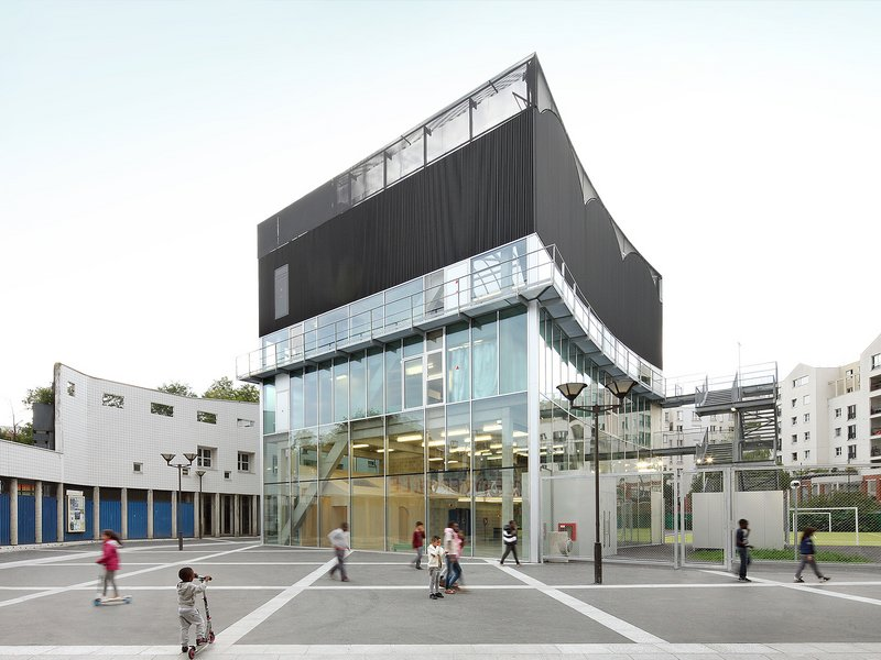 BRUTHER: Cultural and Sports Center - best architects 16 in Gold
