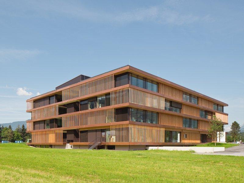 Bruno Moser  architekturWERKSTATT: Egger Stammhaus - best architects 17