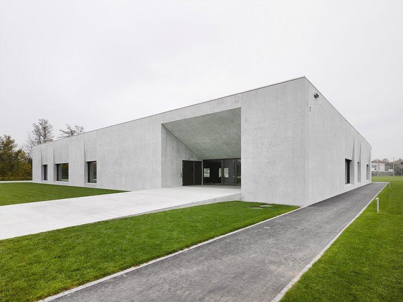 ffbk Architekten: Multifunktionshalle Oensingen - best architects 17