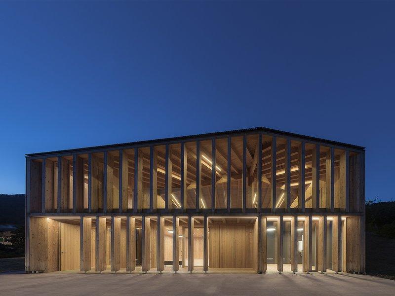 Mirko Franzoso architetto: Neues Gemeindezentrum in Caltron - best architects 17