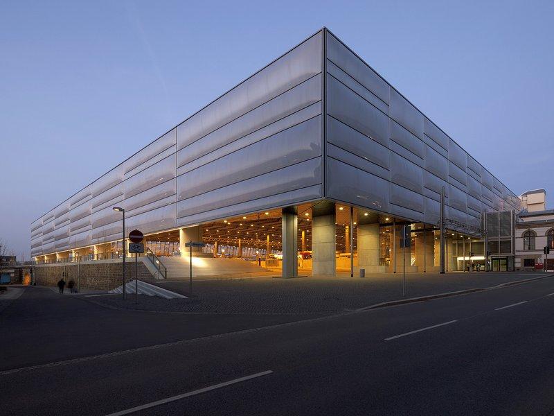 Grüntuch Ernst Architekten: Umbau Hauptbahnhof Chemnitz - best architects 17