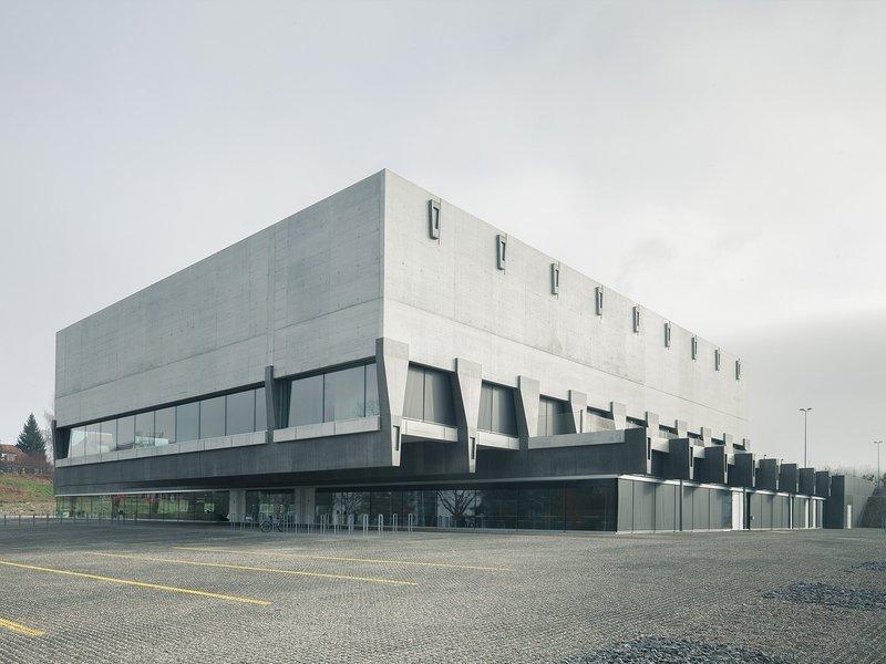 Penzel Valier: Sporthallen Weissenstein - best architects 17 in Gold