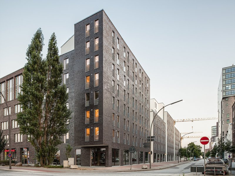 Limbrock · Tubbesing Architekten und Stadtplaner: Studentisches Wohnen am Schellerdamm - best architects 17