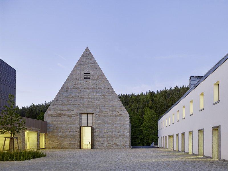 Brückner & Brückner: A place of encounter / Reconstruction and modernisation of the Johannisthal House - best architects 17