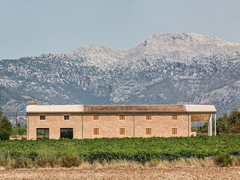 Iwan Bühler: Weinhaus Son Prim Mallorca - best architects 18