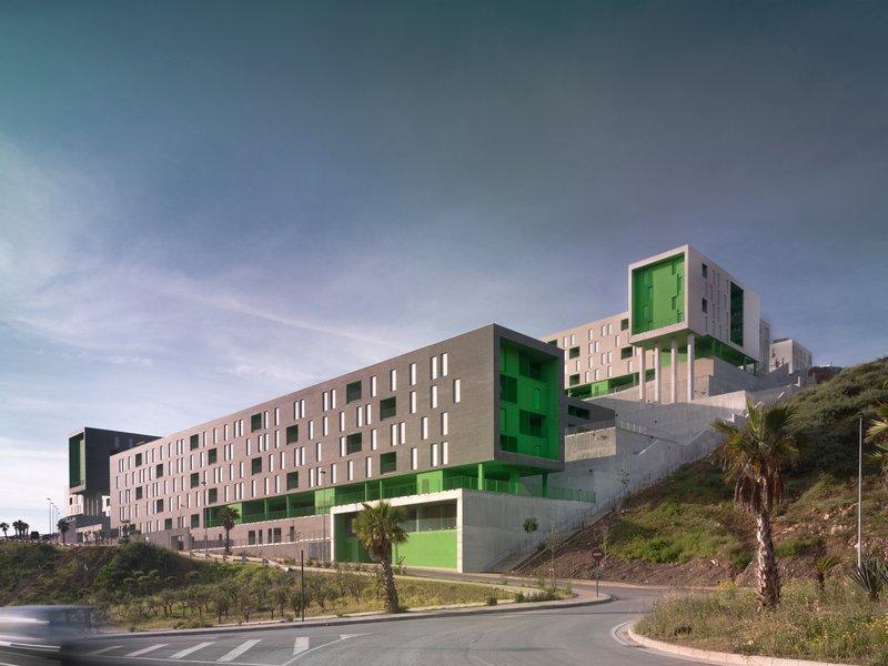 SV60 Cordón & Liñán Arquitectos: Sozialer Wohnungbau mit 317 Einheiten - best architects 18