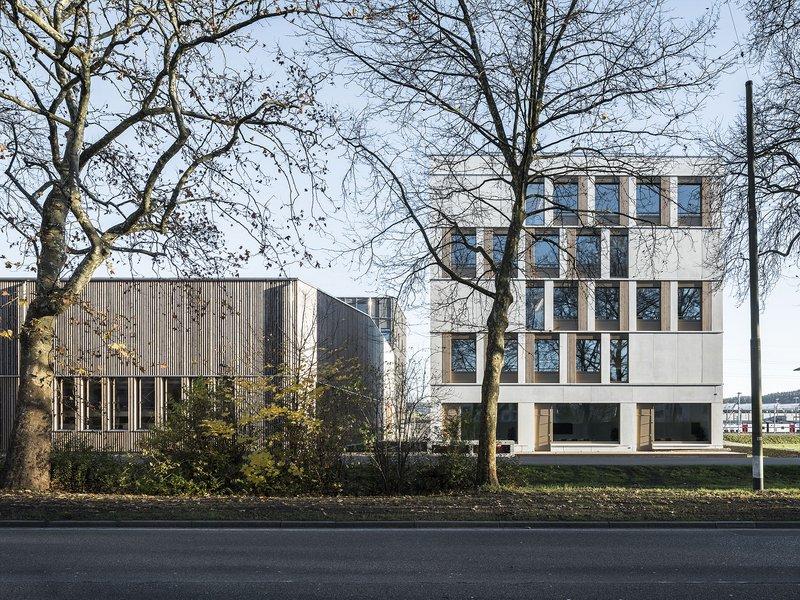 BGP Architekten: Büro- und Produktionsgebäude  - best architects 19