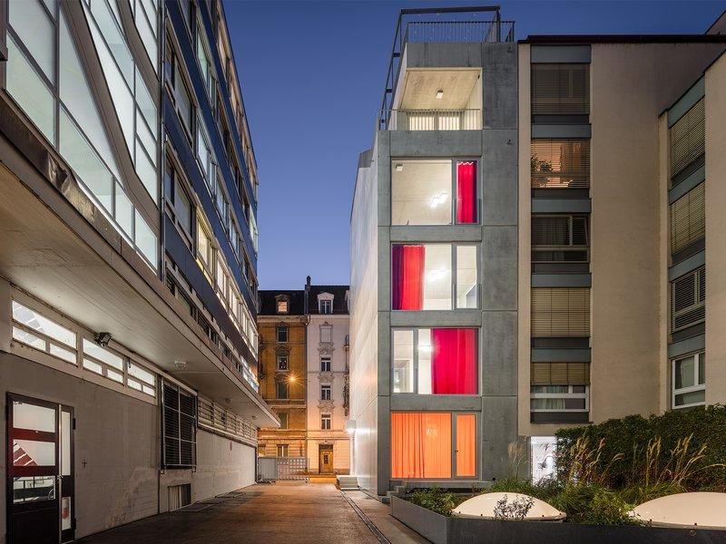 Holzer Kobler Architekturen: ELLI – residential building and studio - best architects 19 in gold