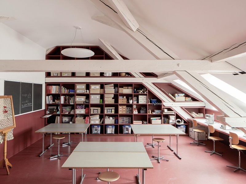 MET Architects: St. Johann Schoolhouse - best architects 19 in gold