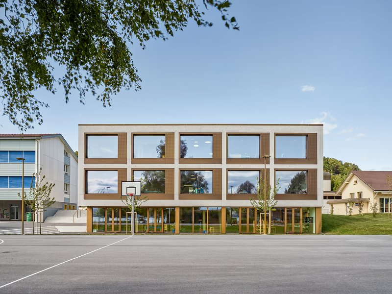 MJ2B Architekten: School in Nant/Mont-Vully - best architects 21