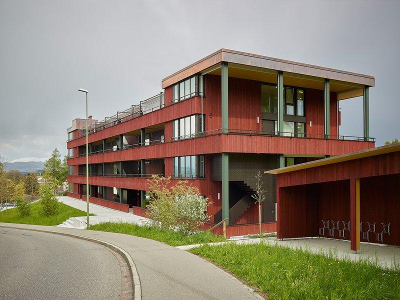 Baumberger & Stegmeier Architekten: Multifunctional apartment building - best architects 21