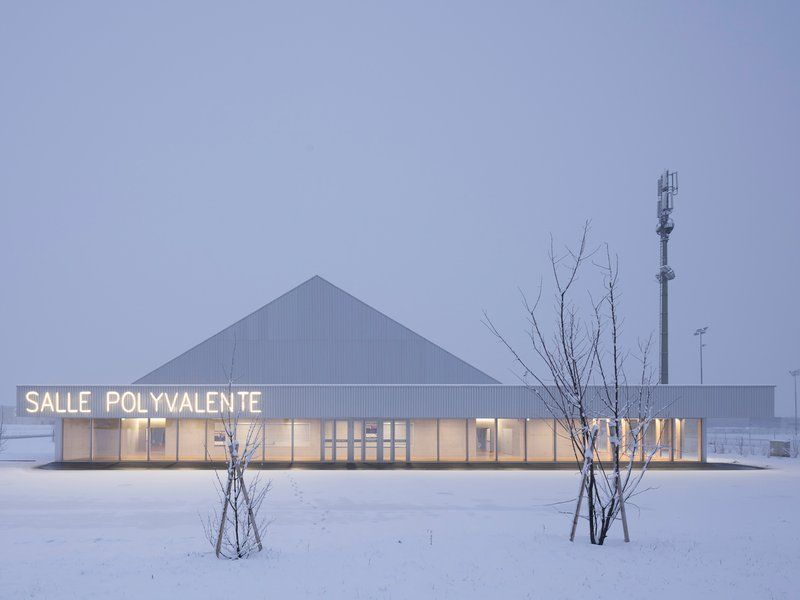 cheseauxrey associés: Umbau und Erweiterung der Mehrzweckhalle in Conthey - best architects 22
