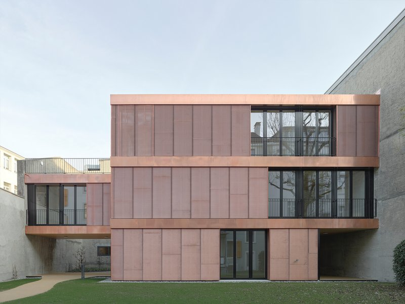 Luca Selva Architekten: Courtyard House - best architects 22 in Gold