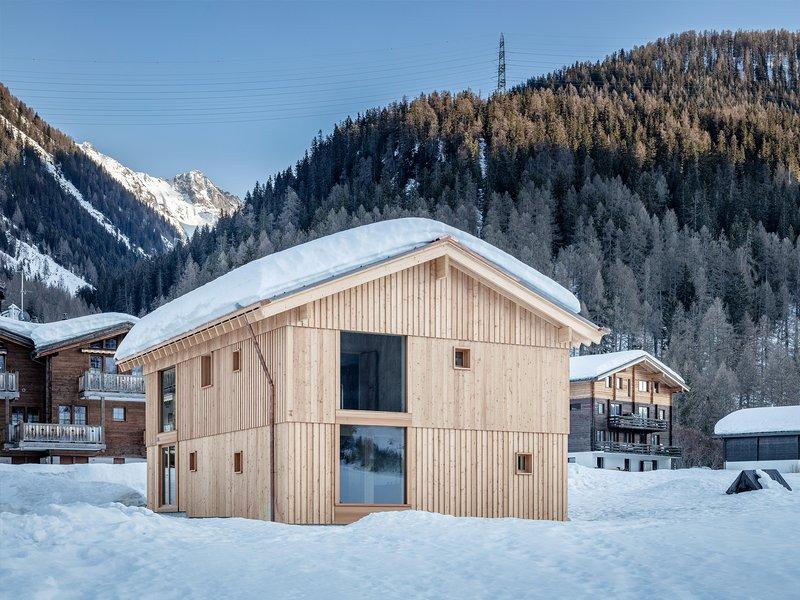 Roman Hutter Architektur: Residential House Reckingen - best architects 22