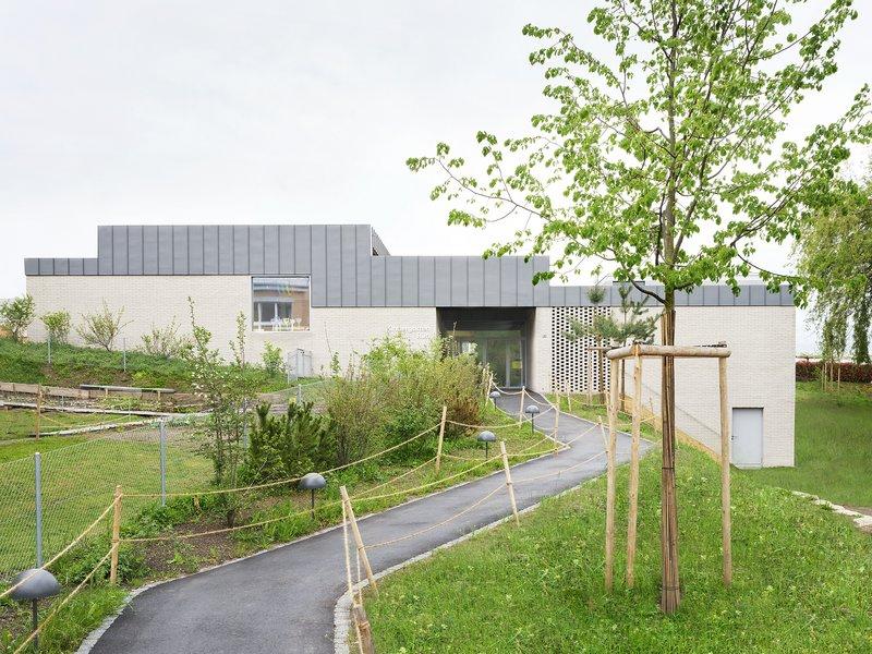 Brandenberger Kloter Architekten: Doppelkindergarten Rüti, Winkel  - best architects 22