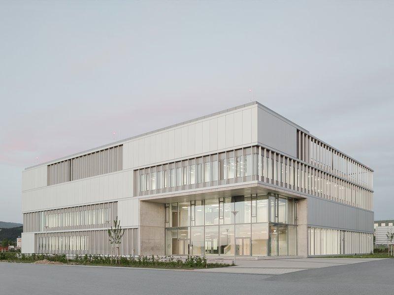 Heinle, Wischer und Partner: Albert Ludwig University Freiburg, IMBIT (Institute for Machine-Brain Interfacing Technology) research building - best architects 22
