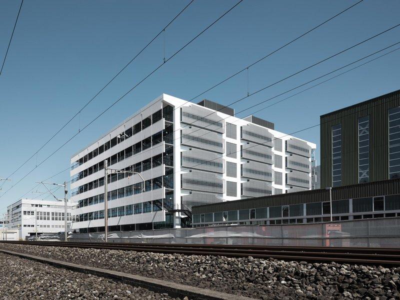 graber & steiger architekten: Vertikale Fabrik Komax AG - best architects 22
