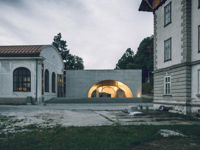 Baukooperative: Salon Neuhaus – a glass pavilion surrounded by nature - best architects 22