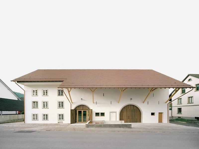 Schmidlin Architekten: Dorfschüür Würenlingen - best architects 22